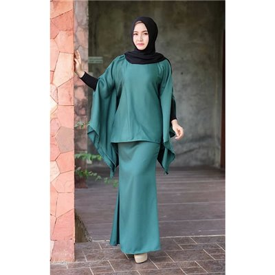 Plain Batwing Kurung Set - Emerald Green