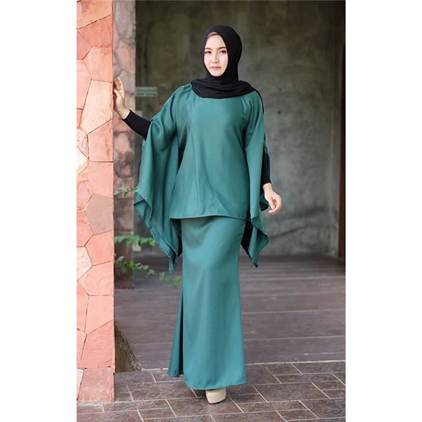Plain Batwing Kurung Set - Emerald Green